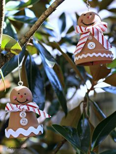 I love making Christmas ornaments, especially from clay pots. I'm sharing an ornament from years ago. This project is a gingerbread man from a clay pot.