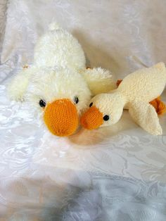(6) Name: 'Knitting : Lazy Dazy Duck (includes two sizes)