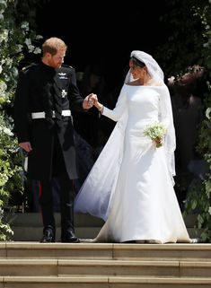 Prince Harry Photos - Prince Harry and Meghan Markle leave St George's Chapel after their wedding in St George's Chapel at Windsor Castle on May 2018 in Windsor, England. Harry And Meghan Wedding, Harry Wedding, Prince Harry And Megan, Prince Henry, Royal Wedding Gowns, Royal Weddings, Wedding Dresses, Givenchy Wedding Dress, Prinz Harry Meghan Markle