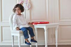 As primeiras calças de ganga, o corte de cabelo e um novo estilo! Fashion Kids, Blog Da Carlota, Style Blog, Cute Kids, Little Girls, Babe, Normcore, Children, Blouse