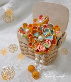 katumi made *つまみ細工の簪Uピンセット玉下がり付き、グリーン、イエロー系
