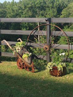 Fairy Garden Landscaping 16 Creative and Rustic Garden DIYs Garden Junk, Garden Yard Ideas, Lawn And Garden, Garden Projects, Garden Art, Garden Design, Indoor Garden, Rustic Garden Decor, Rustic Gardens