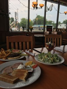 Restaurants, Table Settings, Restaurant, Place Settings, Tablescapes