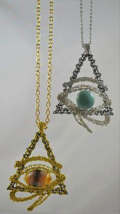 Biżuteria koronką klockową