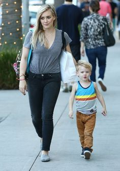 Hilary Duff Photos: Hilary Duff & Son Luca Doing Some Last Minute Christmas Shopping