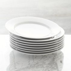 Shop Aspen Dinner Plate. Our Aspen dinnerware is an overture of grace and simplicity. Dressing up or down with ease, its elegant appearance belies its everyday durability.