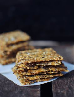 Recipe: Crisp bread with cornmeal Vegan Snacks, Healthy Snacks, Raw Food Recipes, Snack Recipes, Paleo, Food Crush, Foods With Gluten, Fodmap, Food Inspiration