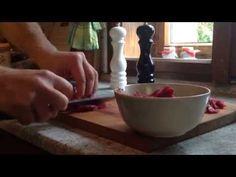 Jak udělat původní originál tatarský biftek - recept bez dochucovadel a náhražek Serving Bowls, Tableware, Kitchen, Women's Fashion, Food, Youtube, Dinnerware, Cooking, Essen