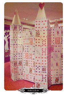Exposition - Alice Au Pays Des Merveilles