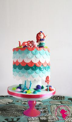 Arial Cake by Sugar Me Kissery VISIONARY PATISSERIE BY SUGAR ME KISSERY info@sugarmehk.com