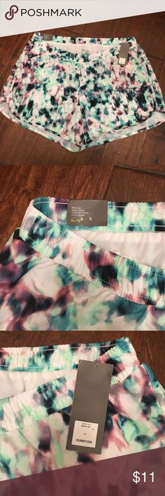 🎀NWT Old Navy Work Out Shorts NWT Old Navy Active Go-Dry Semi-Fitted Work Out Shorts. Pretty turquoise, mint green, and purple pattern. Built in undies so no need to find the right pair to work out in! Best fit for size 16 - 28. Old Navy Shorts