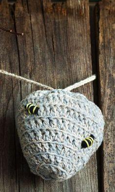 Bzzz! Virkkaa valeampiaispesä pörriäisten kiusaksi | Meillä kotona Diy And Crafts, Knit Crochet, Crochet Earrings, Knitting, Jewelry, Balcony Plants, Summer Ideas, Knits, Gardening