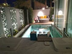 (c) The Chill Report Koh Samui Thailand, Bliss, Asia, Lunch, Luxury, Petite Piscine, Water Dispenser, Waste Container, Eat Lunch