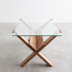 Best coffee table design ever; put your books and magazines under there :D and still looks so clean and minimal (Marco Guazzini)