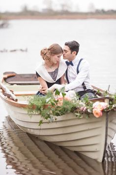 Praise Wedding » Wedding Inspiration and Planning » Romantic Love-Boat Engagement Photos