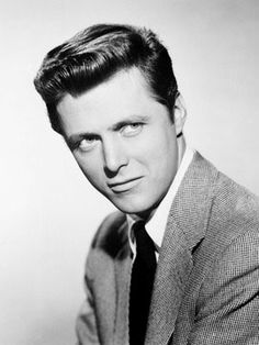 Edd Byrnes (July 1932 – January was an American actor, best known for his starring role in the television series Sunset Strip. James Cagney, Great Tv Shows, Old Tv Shows, Sunset Strip, Tv Guide, Famous Faces, Famous Men, Edd, Classic Tv