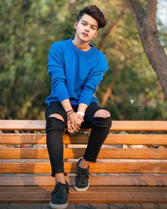 Design alone love models styles boy image Handsome Boy Photo, Cute Boy Photo, Cute Girl Pic, Photo Pose For Man, Stylish Photo Pose, Lightroom, Mens Photoshoot Poses, Handsome Celebrities, Cute Boys Images