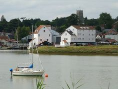 Such a quaint and unspoilt town. Woodbridge Suffolk, East Coast Usa, Suffolk England, Places In England, As Time Goes By, Marmite, Fishing Villages, Wood Bridge, Derbyshire