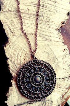 Μενταγιον πορπη και αλυσιδα απο μπρουντζο 13€  Διαμετρος 5,5 εκατοστα Pendant Necklace, Jewelry, Jewlery, Jewerly, Schmuck, Jewels, Jewelery, Drop Necklace, Fine Jewelry