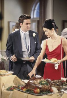 "FRIENDS -- ""The One After Ross Says Rachel"" Episode 1 -- Pictured: Matthew Perry as Chandler Bing, Courteney Cox as Monica Geller Get premium, high resolution news photos at Getty Images Friends Tv Show, Friends Mode, Tv: Friends, Friends Trivia, Friends Scenes, Friends Cast, Friends Moments, Friends Season, Friends Forever"