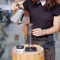 Mengawali Selasa dengan secangkir kopi Rwanda. Kalau kamu apa cerita kopi pagimu? #aeropress #manualbrew #ottencoffee #acaialunar http://ift.tt/1Vbg53z