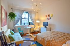 French Interior Design For Apartment Living Tiny Apartment Living, Tiny Apartments, Apartment Interior, Small Room Decor, Small Rooms, Small Space Living, Small Room Layouts, Minimalist Room, New Room