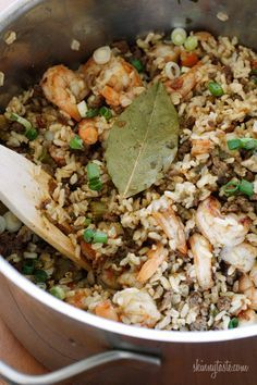 Dirty Brown Rice w/Shrimp. A healthier version of dirty rice using brown rice and lean ground beef – delicious! Cajun Recipes, Rice Recipes, Seafood Recipes, Beef Recipes, Dinner Recipes, Cooking Recipes, Healthy Recipes, Recipies, Potato Recipes