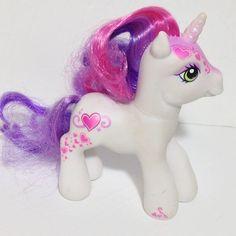 My Little Pony unicorn Sweetie Belle 2007 eyeshadow Hasbro #Hasbro #mylittlepony