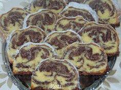 Rozi Erdélyi konyhája: Kakaós püspökkenyér Hungarian Desserts, Hungarian Cake, Hungarian Recipes, Sweet Recipes, Cake Recipes, Eastern European Recipes, Torte Cake, Baking And Pastry, Sweet And Salty