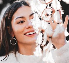 What if Sanem put down the pen, and didn't sign the perfume contact? Turkish Women Beautiful, Turkish Beauty, Indian Beauty, Couple Beach Pictures, Beautiful Beach Pictures, Stylish Work Outfits, Stylish Girl Pic, Girl Photo Poses, Girl Photos