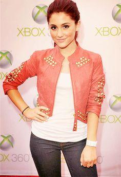 Ariana Grande's jacket♥ Love it!!!