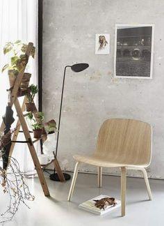 Coloris noir //  fauteuil VISU lounge - Muuto - à partir de 399€