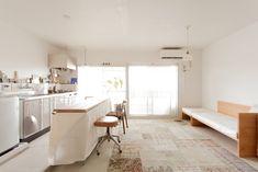 とても爽やかなリビングダイニング、そしてキッチン。ブラインドから光をたくさん取り入れることができていますね。#A様邸練馬 #団地リノベ #シンプルな暮らし #モルタル #ブラインド #EcoDeco #エコデコ #インテリア #リノベーション #renovation #東京 #福岡 #福岡リノベーション #福岡設計事務所 Furnitures, House Styles, Table, Home Decor, Decoration Home, Room Decor, Tables, Home Interior Design, Desk
