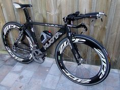 My Kuota Kalibur triathlon bike with Zipp wheels.....very fast and sexy :)