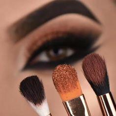 Smoke Eye Makeup, Eyebrow Makeup Tips, Makeup Tutorial Eyeliner, Eye Makeup Steps, Makeup Eye Looks, Beautiful Eye Makeup, Eye Makeup Art, Makeup Videos, Skin Makeup