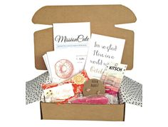 missioncute.com subscription boxes of items from nonprofits MissionCute - A Monthly Subscription Box on a Mission