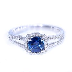 The Elizabeth ring is all about elegance. In design she is timeless with smooth curves and the most delicate split to show off that spectacular Ceylon Sapphire. We didn't forget any of the little deta