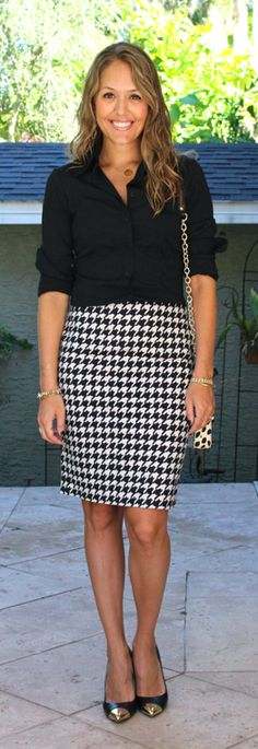 Today's Everyday Fashion: Houndstooth — J's Everyday Fashion I like the button-up shirt tucked in Office Outfits, Casual Outfits, Fashion Outfits, Teacher Outfits, Black Shirt Outfits, Teacher Fashion, Teacher Clothes, Fashion Clothes, Womens Fashion For Work