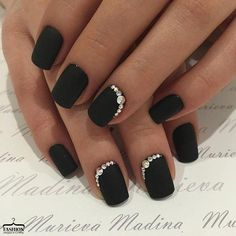 19 Trendy Black Coffin Nails Art Styles 2019 That Are Edgy Designs To Try The black nail is one of the most amazing nail colors. We say that for many reasons but for on our o. Black Nails With Glitter, Black Coffin Nails, Black Acrylic Nails, Black Shellac Nails, Cute Black Nails, Black Nail Art, Glitter Nails, Black Wedding Nails, Black Nail Designs
