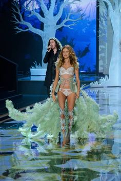 48 Of The Sexiest Looks From The 2014 Victoria's Secret Fashion Show! #Behati Prinsloo