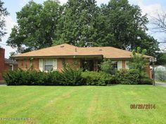 Photo of 3436 Park Row Dr, Louisville, KY 40216 (MLS # 1399801)