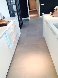 Grijze mosa tegel voor gang wc keuken