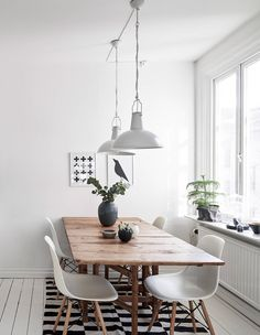 is To Me | Interior inspiration: white and wood dining room | Stadshem
