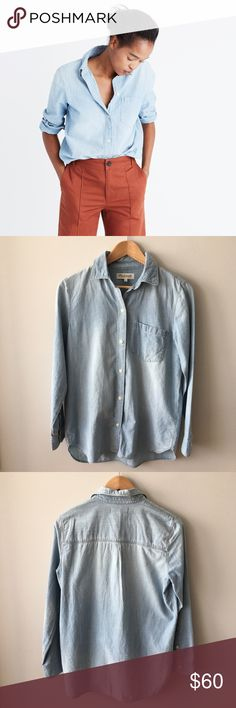 Madewell Chambray Ex-Boyfriend Shirt- Buckley Wash A timeless button-down in a soft chambray that's been lightly distressed along the edges for that perfectly worn-in, Dad's-favorite-shirt feel. Slightly oversized with ready-to-roll sleeves, this version is just right.   Slightly oversized fit. Cotton. Machine wash. Item C9119 On sale online & in-stores for regular price. Lightly worn and washed at most twice – no stains, holes, or pilling – excellent, pre-owned condition. Bundle & save 💰…