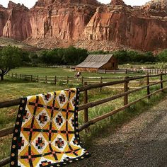 I'm loving all the #quiltsinthewild posts today as part of the #IGQuiltFest. This is still probably my favorite 'quilt in the wild' photo shoot on out family trip to Capitol Reef NP last summer. Pattern is Watchtower (link to info in profile.)