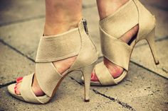 Fabulous - Love These #shoes, #women, https://apps.facebook.com/yangutu