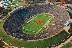 Yale Bowl (Yale)