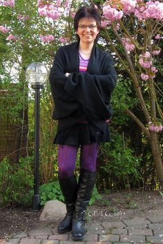 Schal (mit Cape-Charakter ;) ) : GERRY WEBER, Pulli: Betty Barclay, Rock: SECOND FEMALE, Strumpfhose: Lascana, Stiefel: ASOS Collection