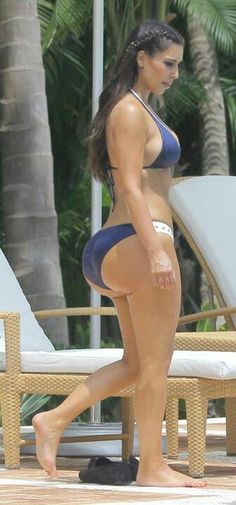 big booty Kim K. It doesn't match her thighs what happens when you get your fat surgically transferred to  your butt