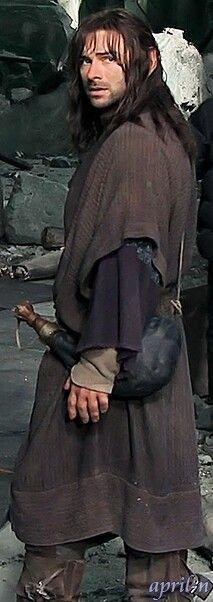 Kili in Lake-Town clothing
